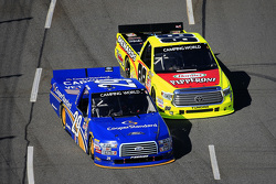 Joey Logano, Brad Keselowski Racing, Ford, und Matt Crafton, ThorSport Racing, Toyota