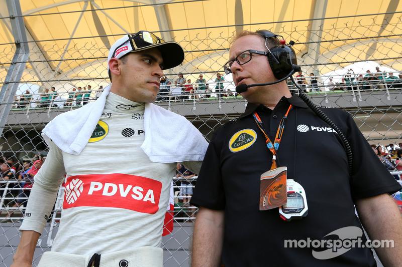 Pastor Maldonado, Lotus F1 Team y Mark Slade, ingeniero de Lotus F1 Team