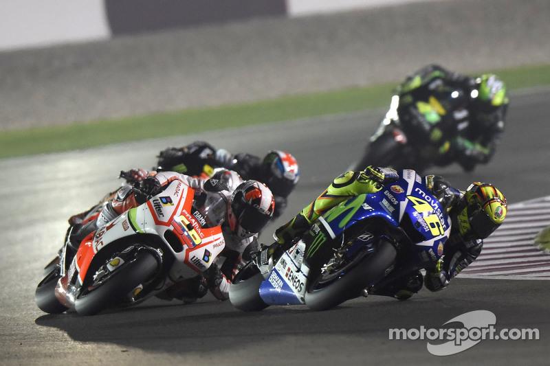 Valentino Rossi, Yamaha Factory Racing dan Yonny Herndanez, Pramac Racing