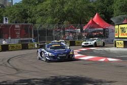 #14 Global Motorsports Group Audi R8 LMS Ultra: Джеймс Софронас