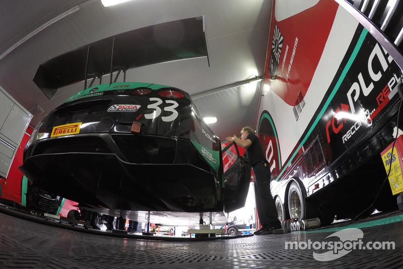 #33 Always Evolving Racing Replay XD Nissan GT Academy Nissan GT-R-GT3: James Davison