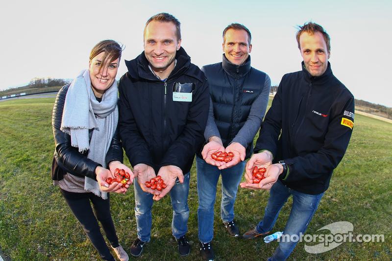 Rinaldi Racing team members find Easter eggs on the circuit