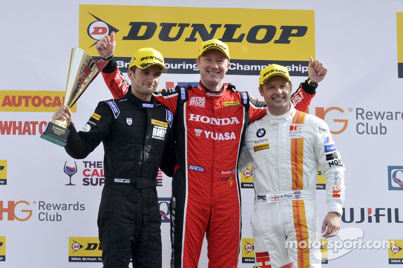 Podium: 1. Gordon Shedden, 2. Andy Priaulx, 3. Colin Turkington