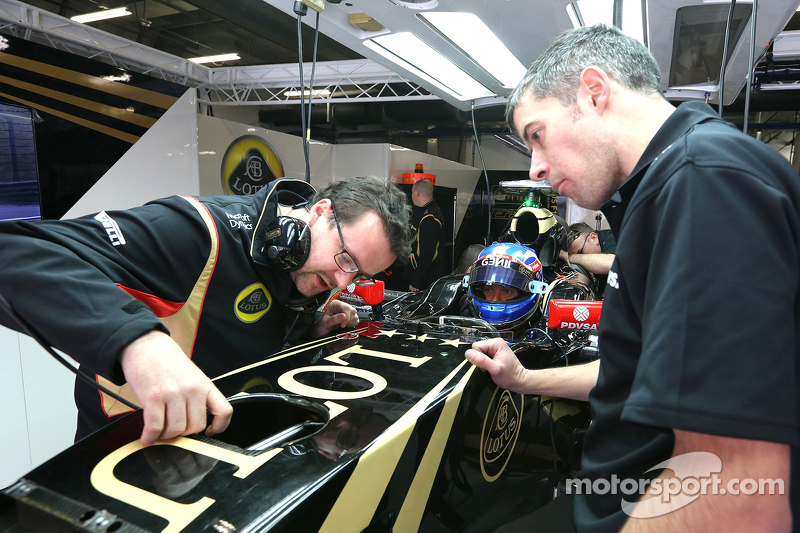 Jolyon Palmer, Lotus F1 Team y Julien Simon-Chautemps, ingeniero de carrera de Lotus F1 Team