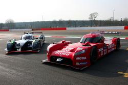 Nissan GT-R LM Nismo and #42 Strakka Racing Dome Strakka S103 - Nissan: Nick Leventis, Danny Watts, Jonny Kane