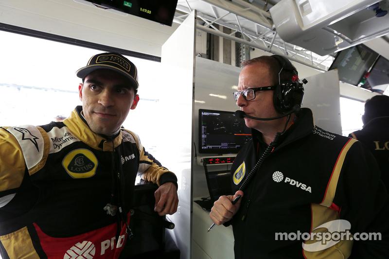 帕斯托·马尔多纳多, 路特斯F1车队,和马克·斯莱德, 路特斯F1车队, 比赛工程师