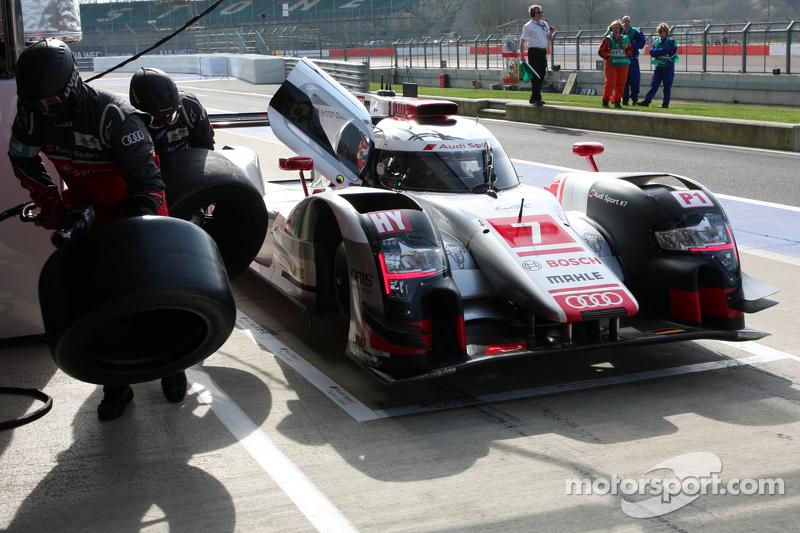 #7 Audi Sport Team Joest Audi R18 e-tron quattro: Marcel Fassler, AndreÌ Lotterer, Benoit Tréluyer