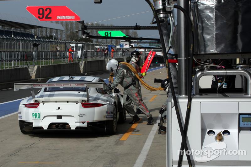 #92 Porsche Team Manthey Porsche 911 RSR: Patrick Pilet,Frederic Makowiecki