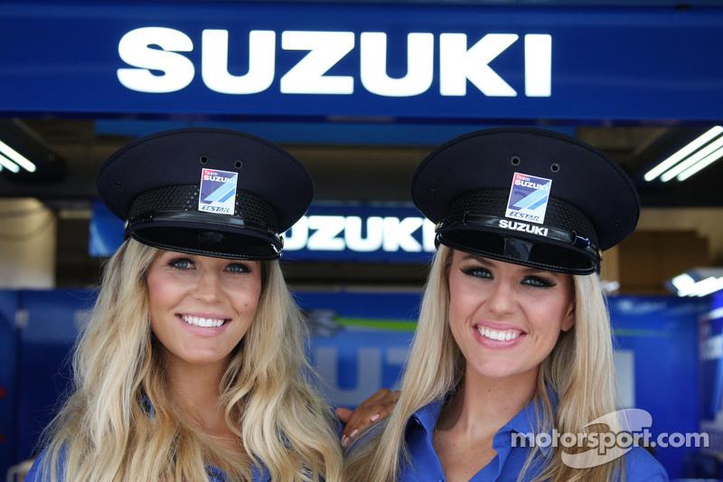 Team Suzuki MotoGP grid girls