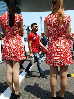 ويل ستيفنز، فريق مانور أف1 خلال الجولة الإستعراضية للسائقين