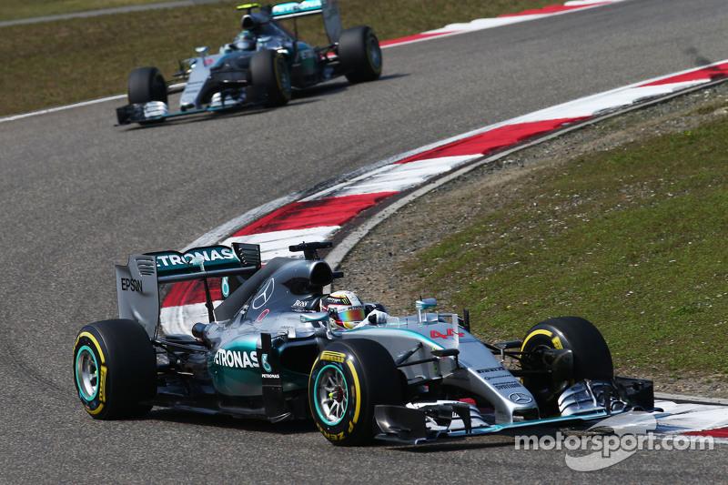 Lewis Hamilton, Mercedes AMG F1 W06 leads team mate Nico Rosberg, Mercedes AMG F1 W07