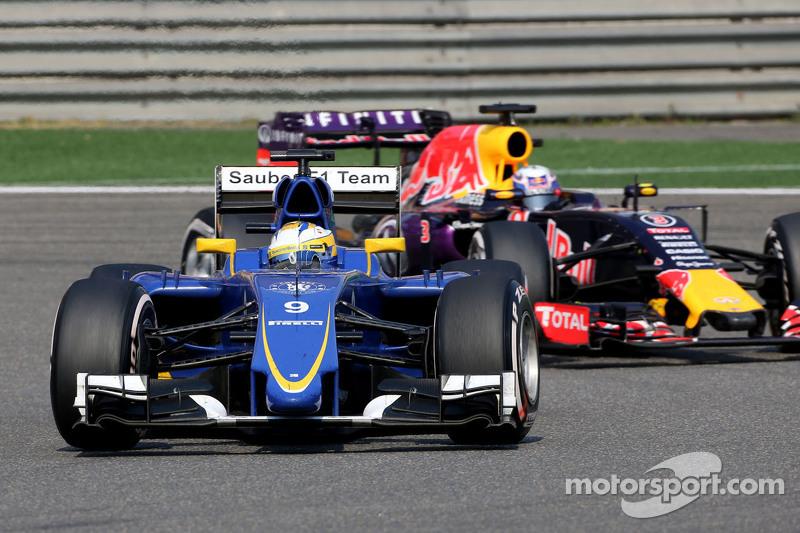 Marcus Ericsson, Sauber F1 Team, und Daniel Ricciardo, Red Bull Racing