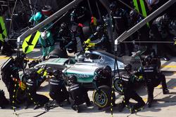 Нико Росберг, Mercedes AMG F1 W06 во время пит-стопа