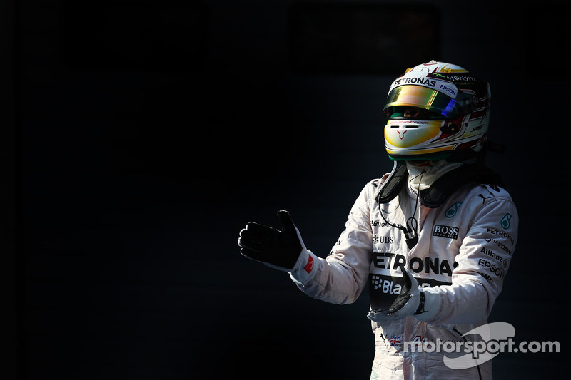 Posisi Pertama Lewis Hamilton Mercedes AMG F1