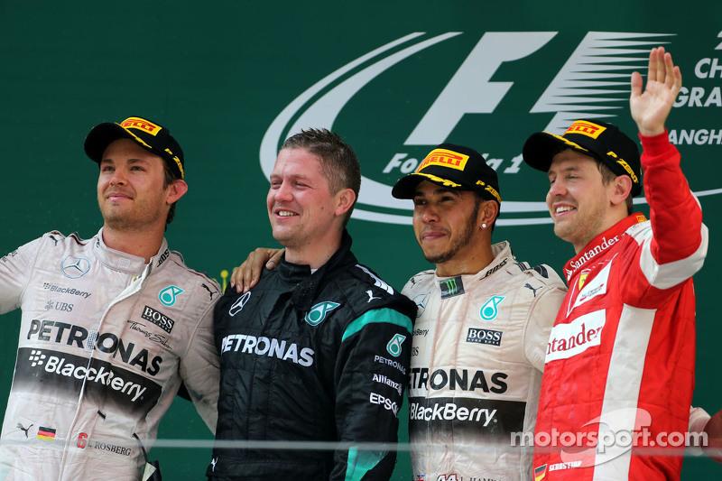 Ніко Росберг, Mercedes AMG F1 Team, Льюїс Хемілтон, Mercedes AMG F1 Team та Себастьян Феттель, Scude