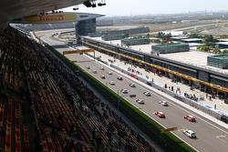 إنطلاقة السباق الأول