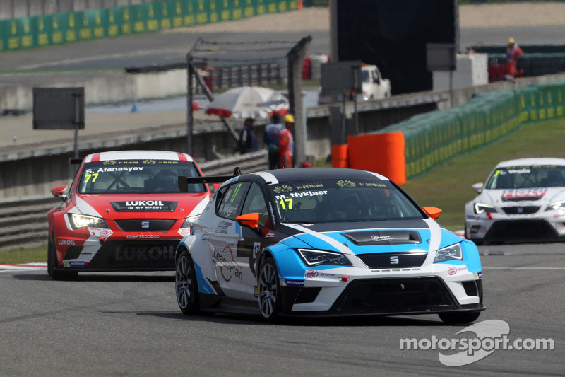 Michel Nykjaer, SEAT Leon Racer, Target Competition, und Sergey Afanasyev, SEAT Leon Racer, Team Craft-Bamboo LUKOIL