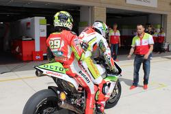 Danilo Petrucci, Pramac Racing membonceng Andrea Iannone, Ducati Team