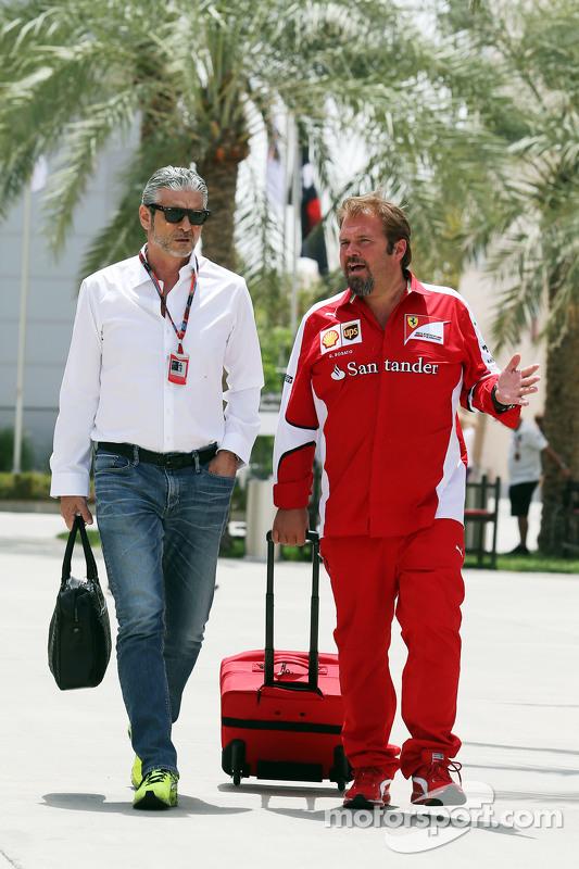 (Kiri ke Kanan): Maurizio Arrivabene, Ferrari Team Principal dengan Gino Rosato, Ferrari