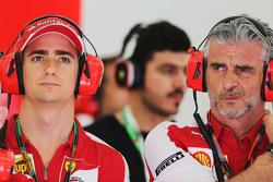 Эстебан Гутьеррес, тестовый и резервный пилот Ferrari и Маурицио Арривабене, руководитель команды Ferrari
