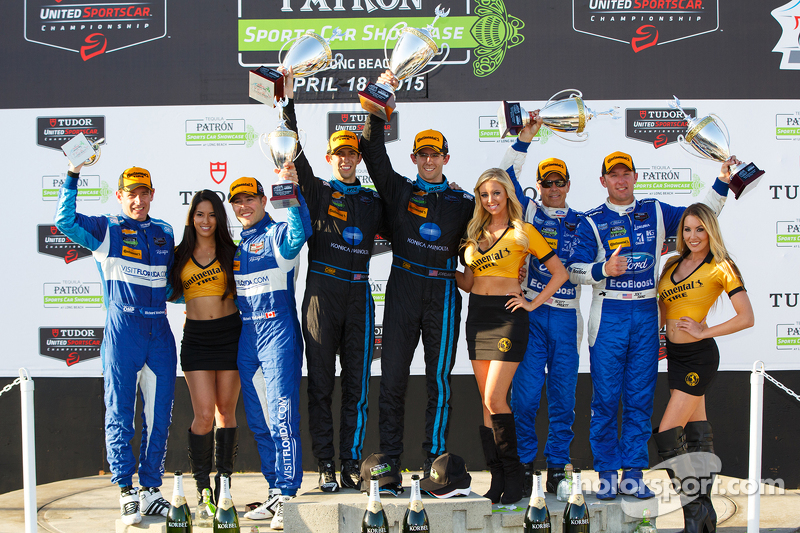 Podium: 3. #90 VisitFlorida.com Racing, Corvette DP: Richard Westbrook, Michael Valiante; 1. #10 Wayne Taylor Racing, Corvette DP: Ricky Taylor, Jordan Taylor, und 2. #01 Chip Ganassi, Ford/Riley: Scott Pruett, Joey Hand