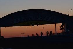 شروق الشمس فوق جسر دنلوب