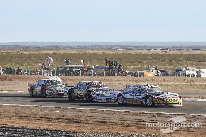 Lionel Ugalde, Ugalde Competicion, Ford; Martin Serrano, Coiro Dole Racing, Dodge, und Mariano Altuna, Altuna Competicion, Chevrolet