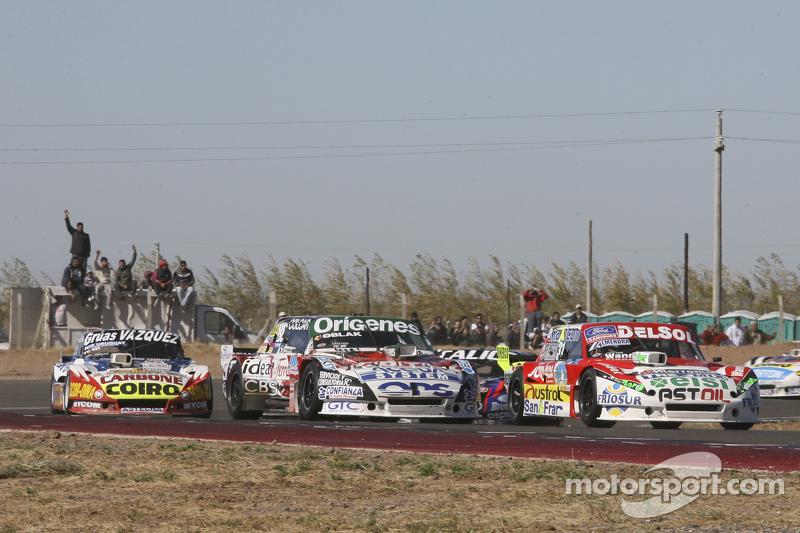 Juan Pablo Gianini, JPG Racing, Ford; Camilo Echevarria, Coiro Dole Racing, Torino, und Lionel Ugalde, Ugalde Competicion, Ford