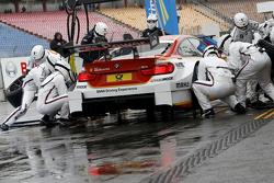Arrêt aux stands pour Augusto Farfus, BMW Team RBM BMW M34 DTM