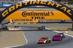 #42 Team Sahlen Porsche Cayman: Wayne Nonnamaker, Майкл Валіанте
