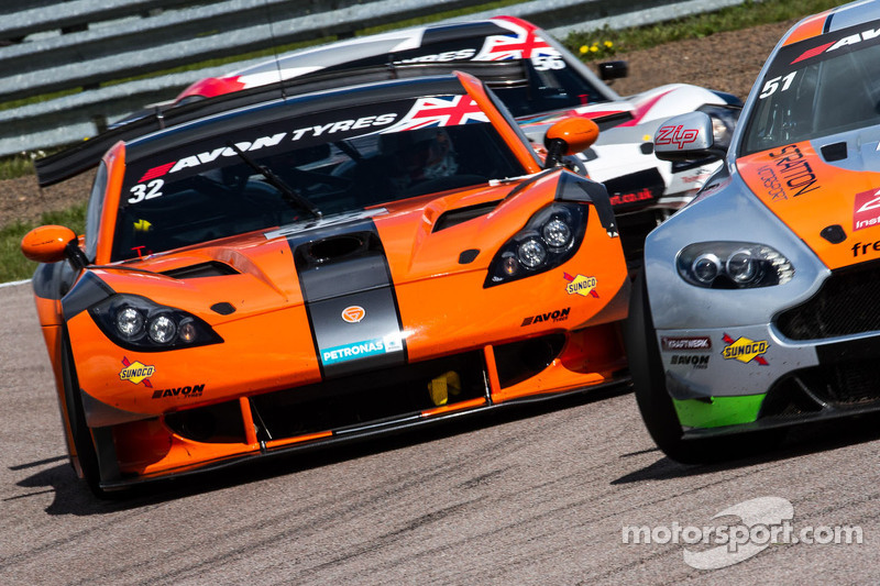 #32 Team LNT, Ginetta G55 GT3: Steve Tandy, Mike Simpson