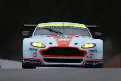 #97 Aston Martin Vantage V8: Darren Turner, Stefan Mücke, Rob Bell