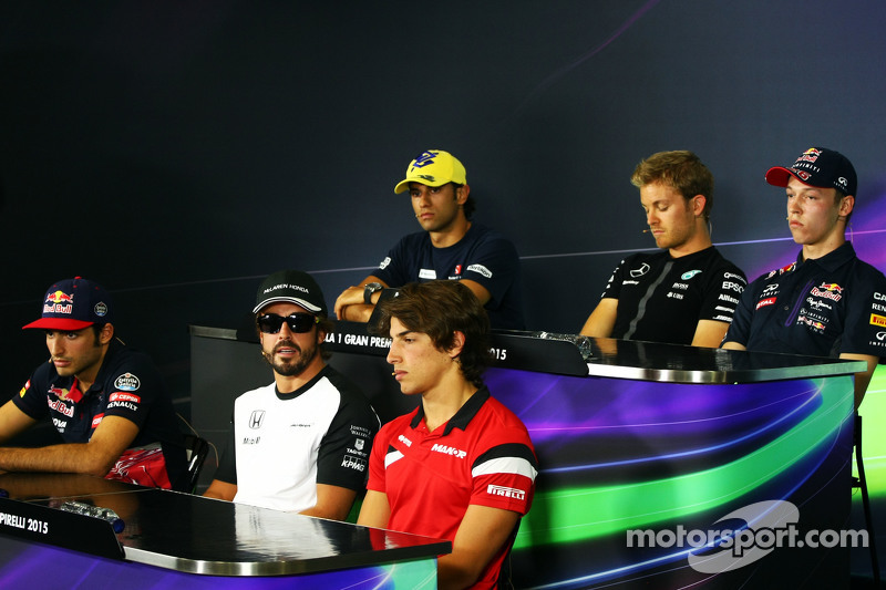 Die FIA-Pressekonferenz: Felipe Nasr, Sauber F1 Team; Nico Rosberg, Mercedes AMG F1; Daniil Kvyat, Red Bull Racing; Carlos Sainz jr., Scuderia Toro Rosso; Fernando Alonso, McLaren, und Roberto Merhi, Manor Marussia F1 Team