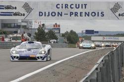 Second lap: #9 Zakspeed Racing Saleen S7R: Jarek Janis, Sascha Bert