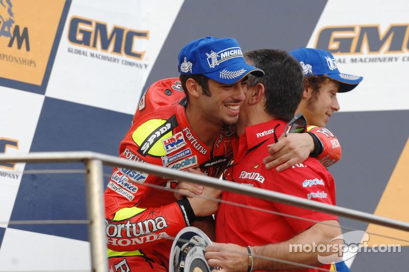 Podio. ganador de la carrera Marco Melandri