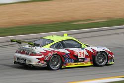 #31 Petersen/White Lightning Porsche 911 GT3 RSR: Jorg Bergmeister, Nic Jonsson, Patrick Long