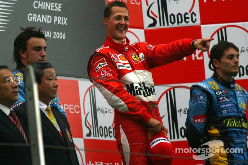 Podio: ganador de la carrera Michael Schumacher, Fernando Alonso y Giancarlo Fisichella