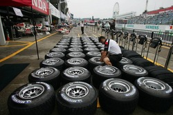Honda F1 Racing prepare their Michelin tyres for the weekend