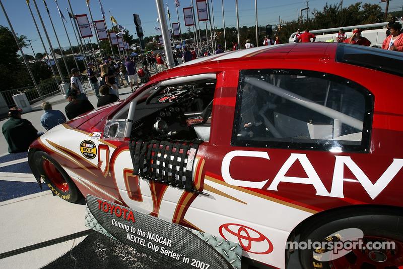 La Toyota Camry Nextel Cup de 2007 en exposition