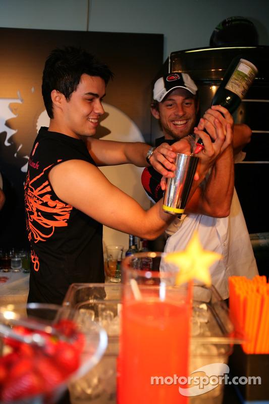 Lucky Strike PR day: Jenson Button makes a cocktail