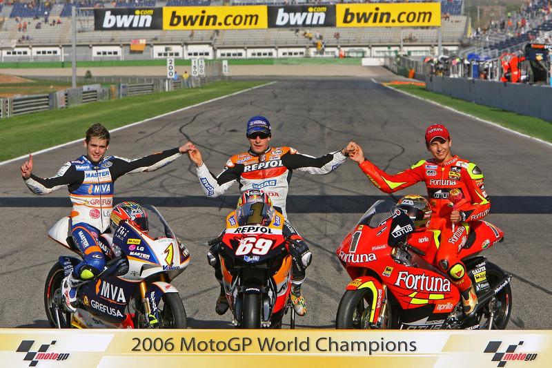 Foto kampiun MotoGP 2006: 125cc (Alvaro Bautista), MotoGP (Nicky Hayden), 250cc (Jorge Lorenzo)
