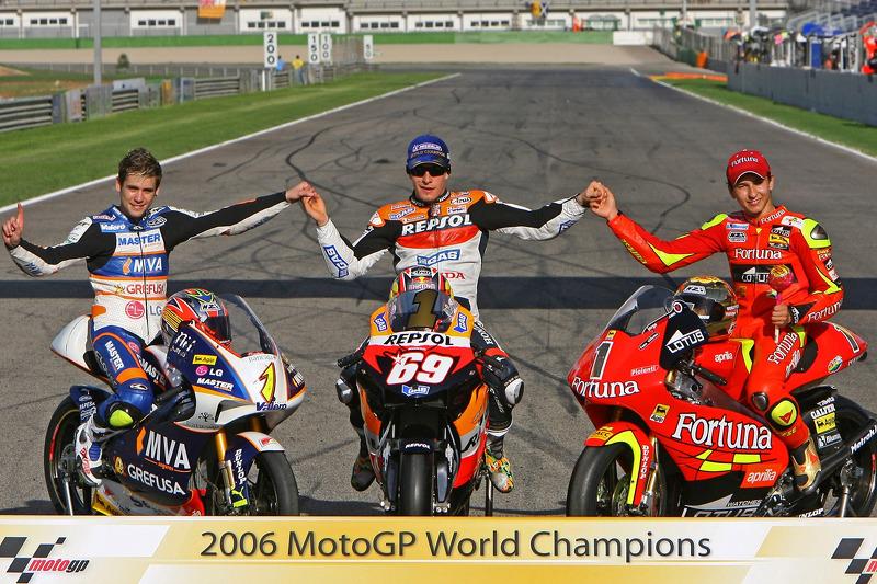 2006 : le lien est établi