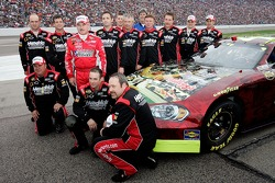 Terry Labonte poses with his crew prior