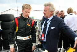 Nico Hulkenberg and Willi Weber, Seat Holder of A1Team Germany
