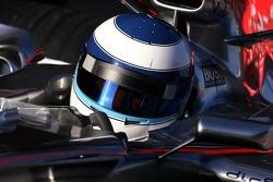 Mika Hakkinen, Test Pilotu for McLaren Mercedes