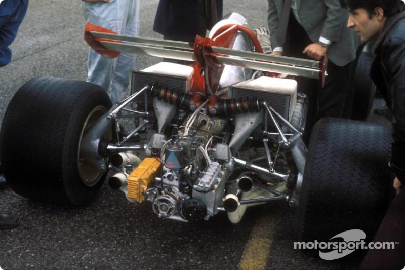 L'arrière de la voiture de Clay Regazzoni