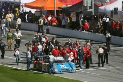 Святкування перемоги для екіпажу #01 TELMEX Chip Ganassi Lexus Riley: Скотт Прюетт, Сальвадор Дюран