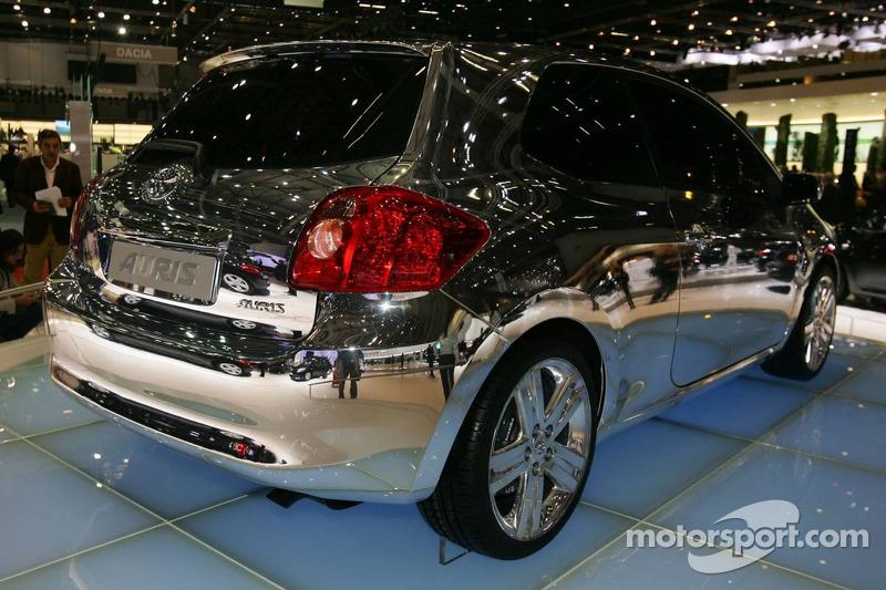 Toyota Auris chromé