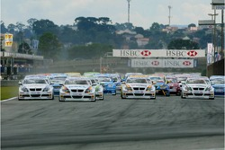 Départ course 1 : Jorg Muller, BMW Team Germany, BMW 320si WTCC, Andy Priaulx, BMW Team UK, BMW 320si WTCC et Augusto Farfus, BMW Team Germany, BMW 320si WTCC