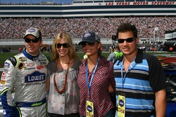 Jimmie Johnson, Chandra Johnson, Vanessa Minnillo and Nick Lachey pose for a photo